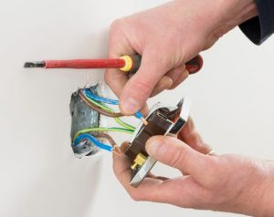changing-outlet-DIY-home-repair-dangers